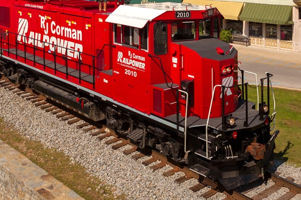 RJ Corman safety rail access train